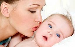 Все женщины, которые родили первенца, будут получать денежную помощь в течение трех лет
