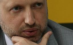 Турчинов решил проверять присутствие депутатов в Раде по карточкам