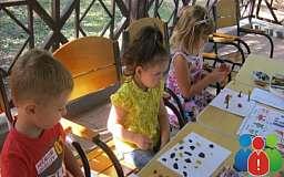 В первый уикенд осени в парке «Правды» танцевали, делали кукол и рисовали