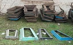 В Кривом Роге задержали троих мужчин за кражу надгробных конструкций