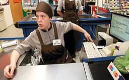 В Кривом Роге неизвестный напал на кассира в супермаркете