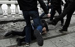 В Кривом Роге избили парня и отобрали 6 тыс. гривен