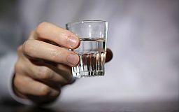 Бутылкой из-под водки криворожанка убила сожителя