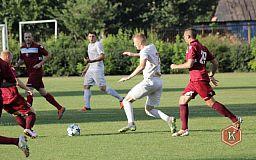 Криворожские футболисты проиграли спортсменам из Лозоватки