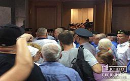 В Кривом Роге препятствуют деятельности депутатов, - поданы заявления в полицию