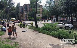 В Кривом Роге авто снесло электроопору, пострадал человек
