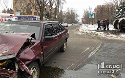 В результате ДТП в Кривом Роге пострадали двое детей и двое взрослых