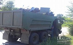 Криворожанин «напичкал» кузов грузовика незаконным металлом