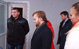 Не здали: нардеп Усов не прийняв ПК «Карачуни» та змусив будівельників виправляти недоліки
