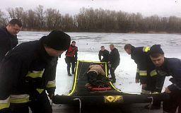 Рыбалка с угрозой для жизни: в Днепропетровской области за сутки под лед провалились шестеро человек