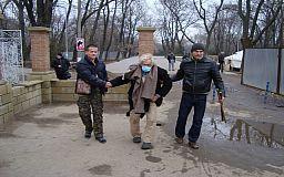 На Днепропетровщине избавились от престарелого владельца квартиры, сделав его бомжом