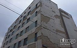 Криворожанин грозился покончить с собой, пытаясь выпрыгнуть из окна ПНД