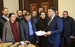 За подачей тепла в городе следит не Гройсман и не Ляшко, а избранный мэр, - премьер-министр Украины