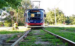 В Кривом Роге с рельсов сошел трамвай, - свидетели события
