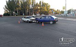 Лобовое столкновение на перекрестке в Кривом Роге