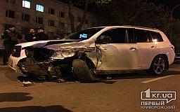 В центре Кривого Рога машины разбросало по проспекту после ДТП