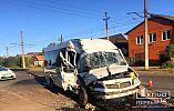 В Кривом Роге грузовик с молочкой попал в ДТП с микробусом