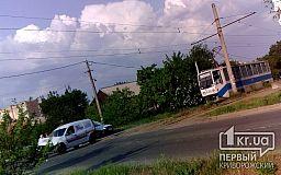 В Кривом Роге легковушка столкнулась с трамваем