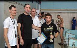 Поліцейські Кривого Рогу всіх переплавали на обласних змаганнях