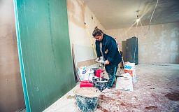 Нардеп Усов перевірив ремонт у школах та садочках Кривого Рога, кошти на який він знайшов