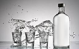 Двое криворожан организовали подпольный цех по производству алкоголя