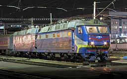 «Укрзалізниця» вводит новое расписание курсирования поездов: 53 новых и отмена 48 ночных поездов