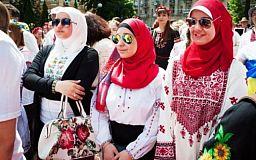 Криворожанка Мария Артемова популяризирует украинскую вышиванку среди турецкой молодежи
