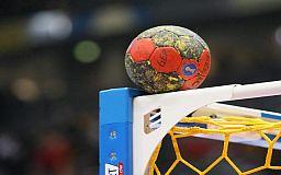 Школьницы из Кривого Рога будут представлять область на всеукраинских соревнованиях по гандболу