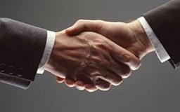 Криворожский исполком и фирмы местных депутатов заключили ряд соглашений на 30 миллионов гривен