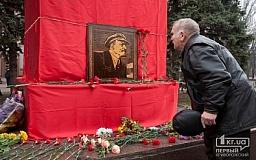 В Украине запретили пропаганду коммунистического и нацистского режимов