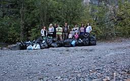 Криворожан приглашают принять участие в уборке мусора на карачуновском гранитном карьере