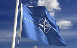 НАТО призывает Украину быстрее провести болезненные реформы