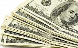 Украинцы купили 110 млрд долларов за пять лет: куда сегодня лучше вложить сбережения (ИНФОГРАФИКА)