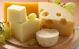 Криворожанка пыталась ввезти в Крым контрабандный сыр