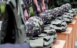 Обеспечением армии будут заниматься волонтеры, - советник президента Украины