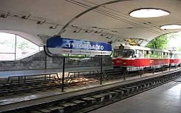 В Кривом Роге скоростные трамваи вынуждены въезжать в тоннели на запрещающий сигнал светофора