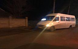 В Кривом Роге у переполненной маршрутки на ходу отпало колесо