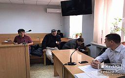 Суд по делу автомайдановца из Кривого Рога приступил к дебатам, не дожидаясь всех потерпевших