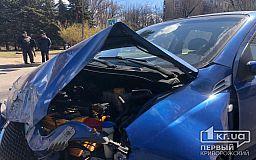 На перекрестке в Кривом Роге случилось ДТП с пострадавшими