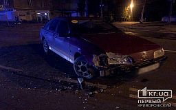 Ночью в Кривом Роге в ДТП попали две легковушки