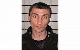 По подозрению в краже в Кривом Роге разыскивают мужчину