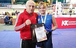 Одно золото и два серебра: криворожанки завоевали медали на чемпионате по боксу