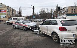 В Кривом Роге в ДТП попало авто медицинской службы