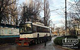 В Кривой Рог привезли первый из 54 обещанных троллейбусов