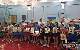 Криворожские спортсмены завоевали бронзовые медали на чемпионате по настольному теннису