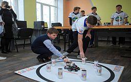 Хобби настоящего: в Покровском лицее дети учатся собирать и программировать роботов