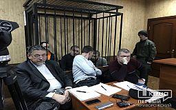 Переводчика с украинского языка, письменный стол и проведение заседаний в закрытом режиме требовали обвиняемые в убийстве криворожского студента
