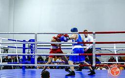 В субботу криворожан ждет чемпионат Украины по хоккею и Всеукраинский турнир по боксу