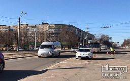 В Кривом Роге частично перекрыли дорогу из-за репетиции торжества ко Дню Освобождения города