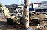 В Кривом Роге ВАЗ врезался в столб, водителя увезли в реанимацию